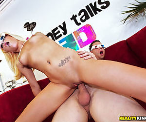 Naughty teen Teagan Summers gets paid for fucking in 3D glasses