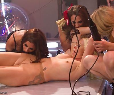 Kinky chicks from the future shock each other while fisting pussies