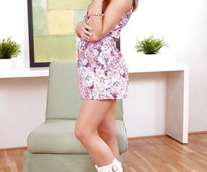 European solo queen Foxy Di exposing enormous average adolescent pointer sisters in boots