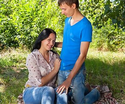 Sweet European Viki releases her BFs hard cock for a fuck in the park