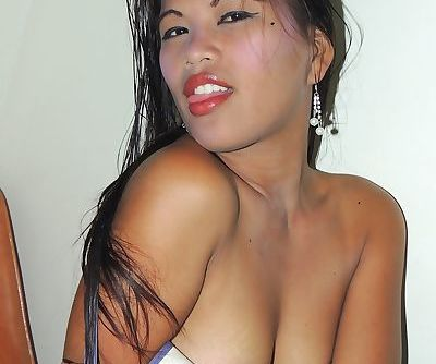 Hot Asian amateur Wendy strips off to get her hairy pussy fingered & fucked