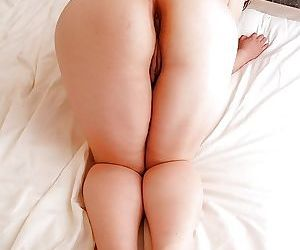 Pinguid asian gal Keiko Etou undressing and showcasing her unshaven cut back on