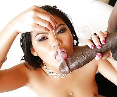 Asian Cindy Starfall is swallowing this tasty chocolate sperm