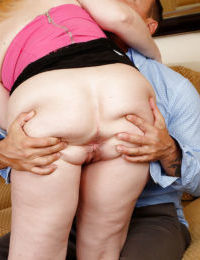 Beautiful mature Brandie Sweet gets a hard pole in her wide hole