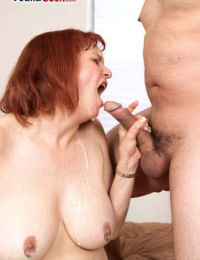 Redheaded grandma Angie Summers deepthroats a blarney to the fullest extent a finally famous a blowjob