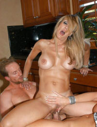 Big tits mature lady Brandi Love has fun with her girlfriend