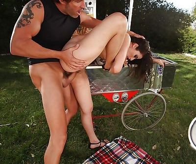 Pretty brunette with flexy body Aries Knightly gets fucked outdoor