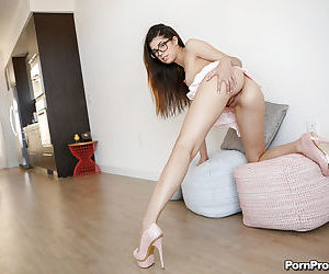 Young Ava Taylor shows off naked for her guy before sex