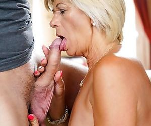 Hot granny Diane Sheperd has her pussy licked before getting banged