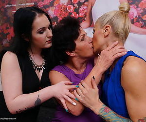 Horny granny gets hot ass licking in steamy mature lesbian threesome