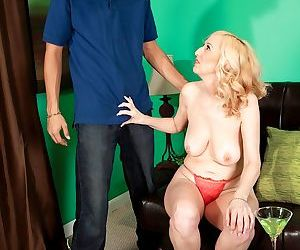 Hot MILF Jackie Pierson is fucked in various ways until she gets a creampie
