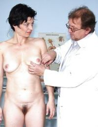 Short haired mature brunette with ample ass gets examed by gyno