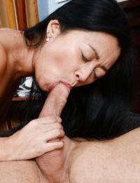 Slutty asian amateur fucks a big boner and gets her shaggy twat jizzed