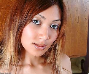 Asian amateur Satami showing off trimmed vagina after removing dress