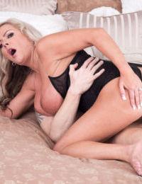 Hot older lady Samantha Jayne takes a young boys virginity