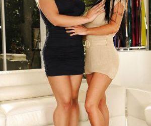 Sarah Vandella pleasing Jenna Presley by fingering her vagina