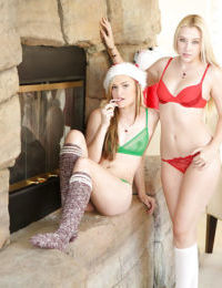 Samantha Rone and Cassidy Ryan are posing naked right in front cam