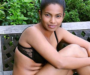 Indian MILF Alishaaa Mae strips naked while gardening in the backyard
