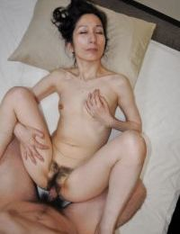 Placid Japanese courtesan gives head and attains her  slit shafted severe