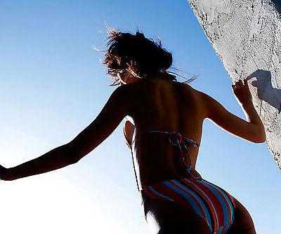 Stunning asian teenage girl Yu Satome slipping off her bikini