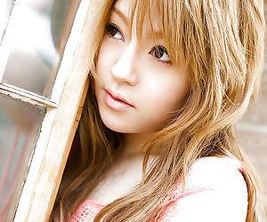 Good-looking asian babe Ria Sakurai uncovering her tiny flexuosities outdoor