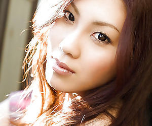 Sweet asian babe Shinohara Ryou discovery her petite curves