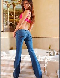 Alluring teen hottie Ariana Fox strips from jeans and spreading pink