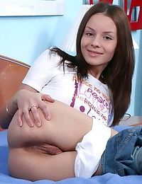Small titted amateur cutie Viktoria playing with her pink pussy lips in bed