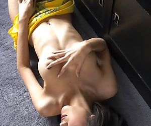 Bored Gisele lifts up her sexy yellow dress and flashes a nice white dong