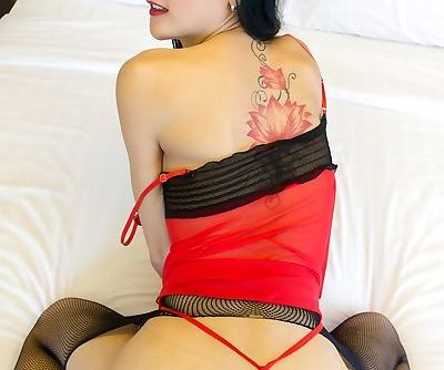Asian ladyboy Chompoo gets fucked bareback by a tranny lover