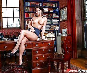 Top Oriental pornstar Eva Lovia unveiling nice boobs on office desk