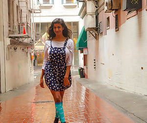 India amateur Carla White unveils her big natural tits in an alley by the mall