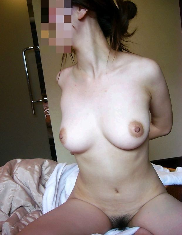 nude mom on bed