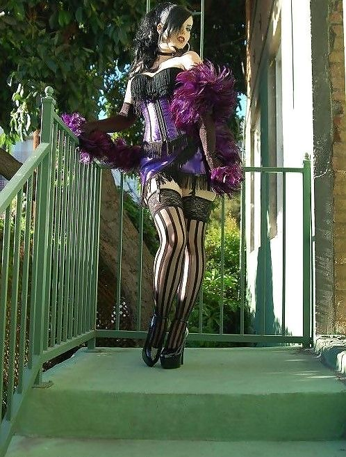 Shayla Corpse has all the stylez is dressed is super cute gothic belesuq wear - SGB outfitt gothh