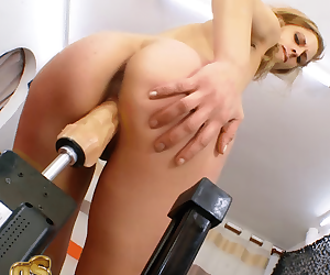 FUCKING MACHINES put a blonde