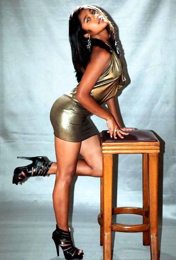 Sexy Indian Babe Miniskirt Posing