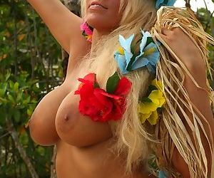 Hawaiian cutie from your dreams playing with her precious shaven pussy