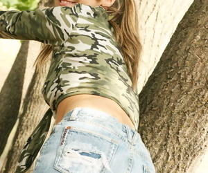 Astonishing teen slut removes say no to slutty jemmy cohere