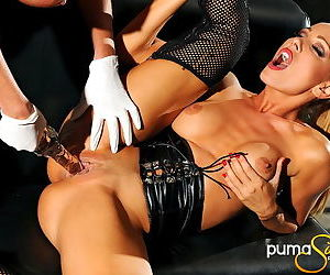 Kinky lesbian toy sex with babes in gloves that love hot pussy