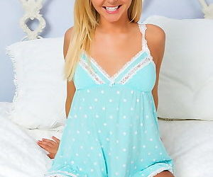 A marvelous teen pussy and a little blue lingerie set are hot on her