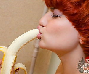 Teeny deepthroats banana and uses it to stretch her pussy into gaping