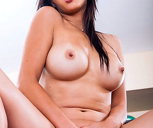 Brunette asian pornstar knows her stuff when it comes to deep stroking her juicy twat