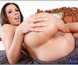 Great chick with shaved box sits on a thick dick and rides him