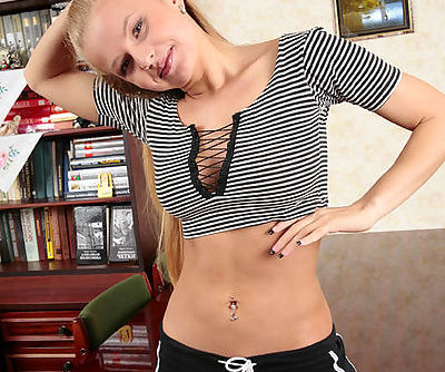 Lissome young beauty with surprisingly big bust poses naked for you