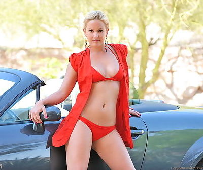 Fresh model with absolutely blameless body gets all naked alfresco