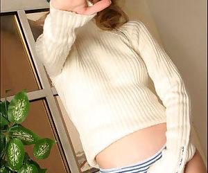 Cute blonde teen in super hot tight ass jeans