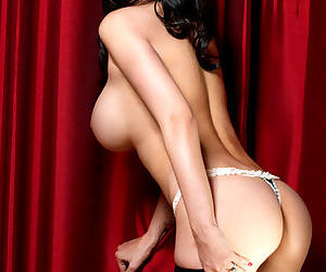 Tera Patrick is the most glamorous pornstar in the world and the pics are hot