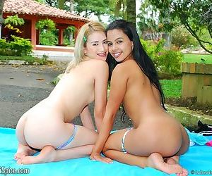 Gigi and her lesbian friend are eating wet pussy