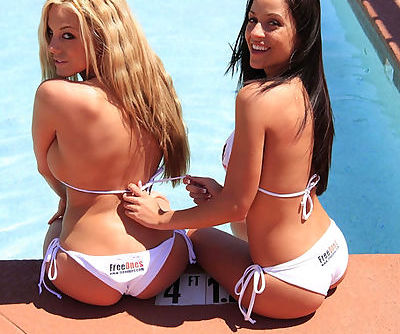 Janessa has a hot blonde with her and they're getting naughty together