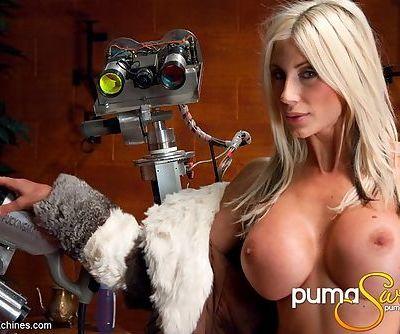 She uses a dildo machine to make her cunt cum so hard